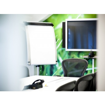 Chicago - Aon Center - Video conferencing