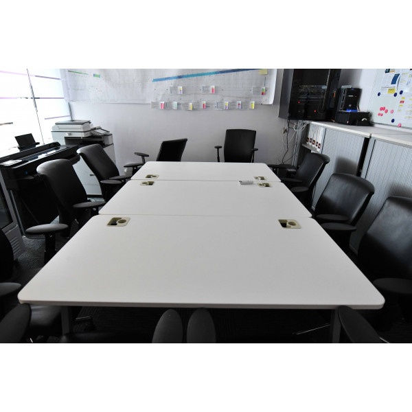 Abu Dhabi - Makeen Tower - Meeting rooms