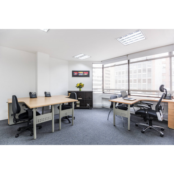 Manama - Diplomatic Area - Desk Space