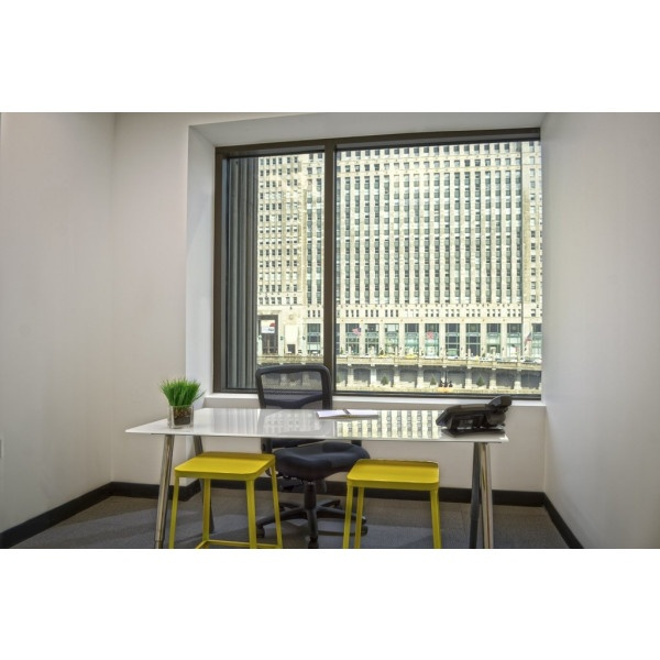 Houston - Rusk - Private Office