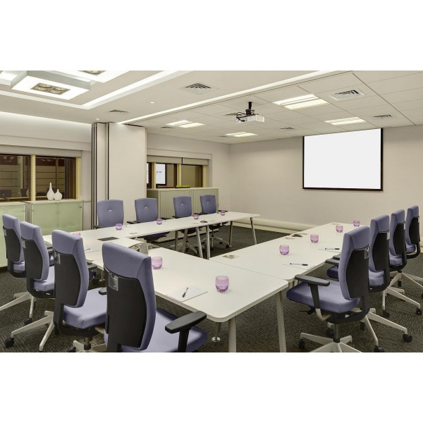 Abu Dhabi - Makeen Tower - Video conferencing