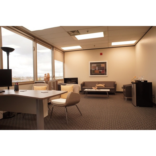 Ottawa - St. Laurent Blvd - Private Office