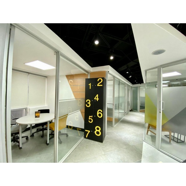 Quito - Millenium Plaza - Virtual office light